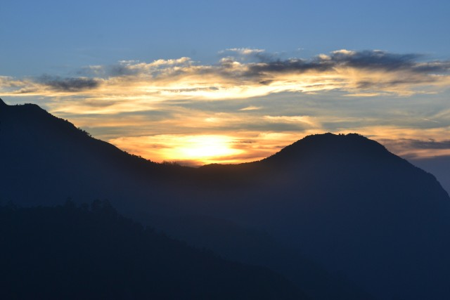 Sunraise at top station Munnar